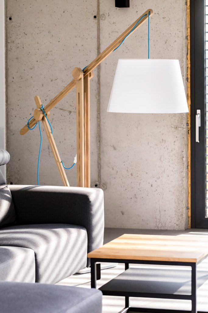 Wooden floor lamp CRANE LIGHT