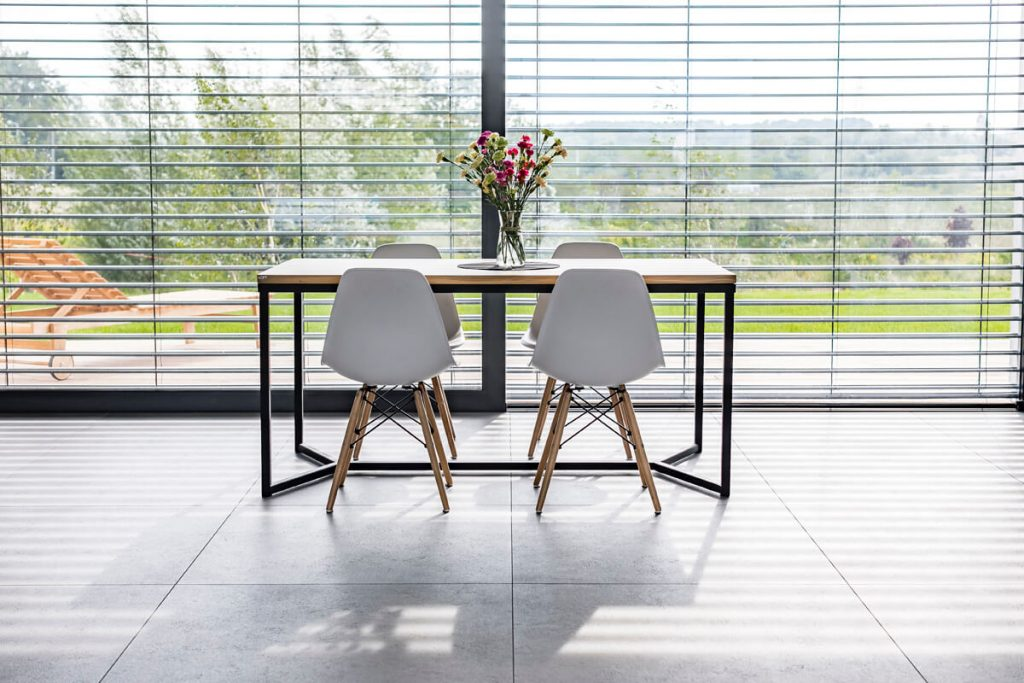 Dining table in industrial style in the implementation of LOFT Decora