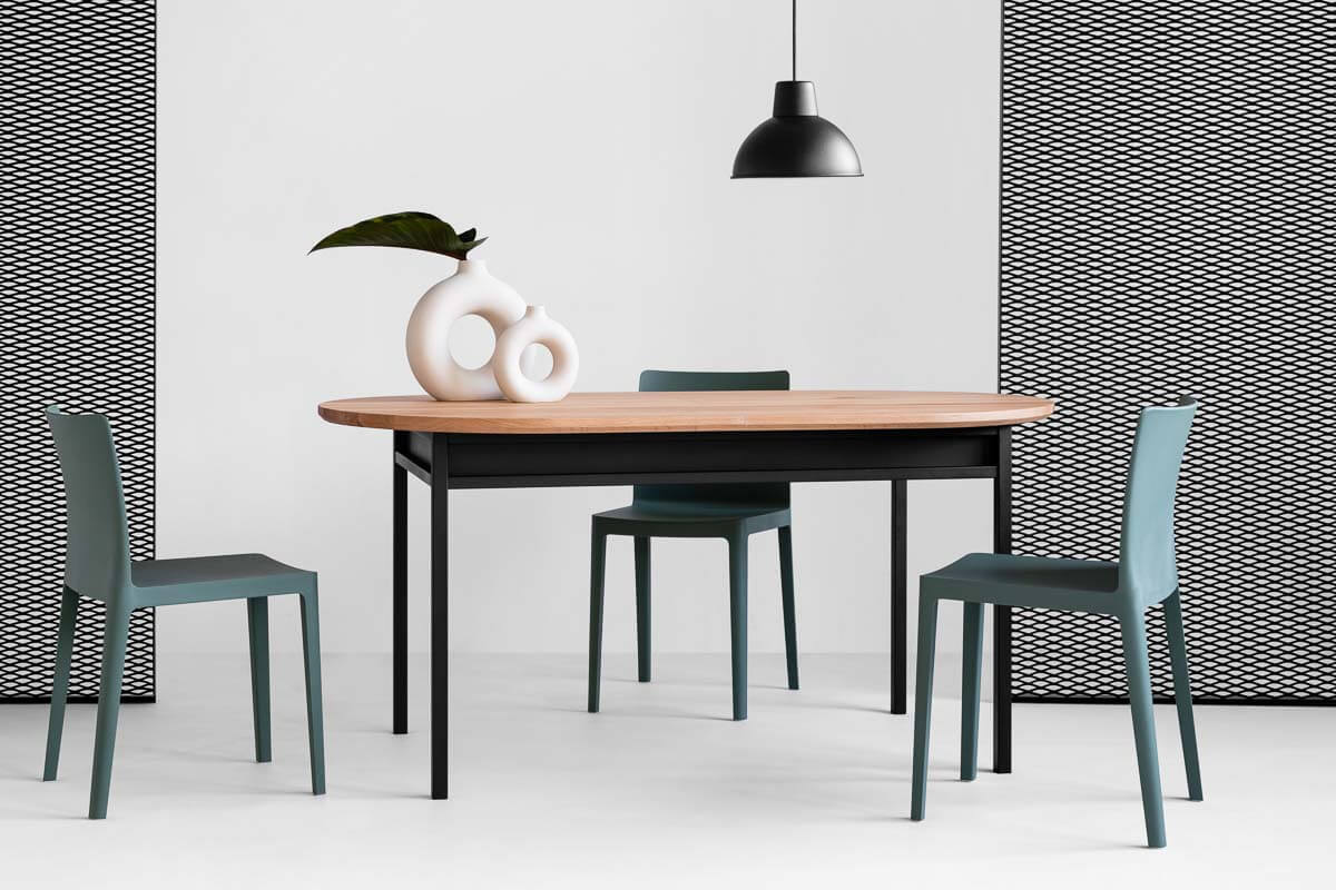 Box oval dining table by Loft Decora
